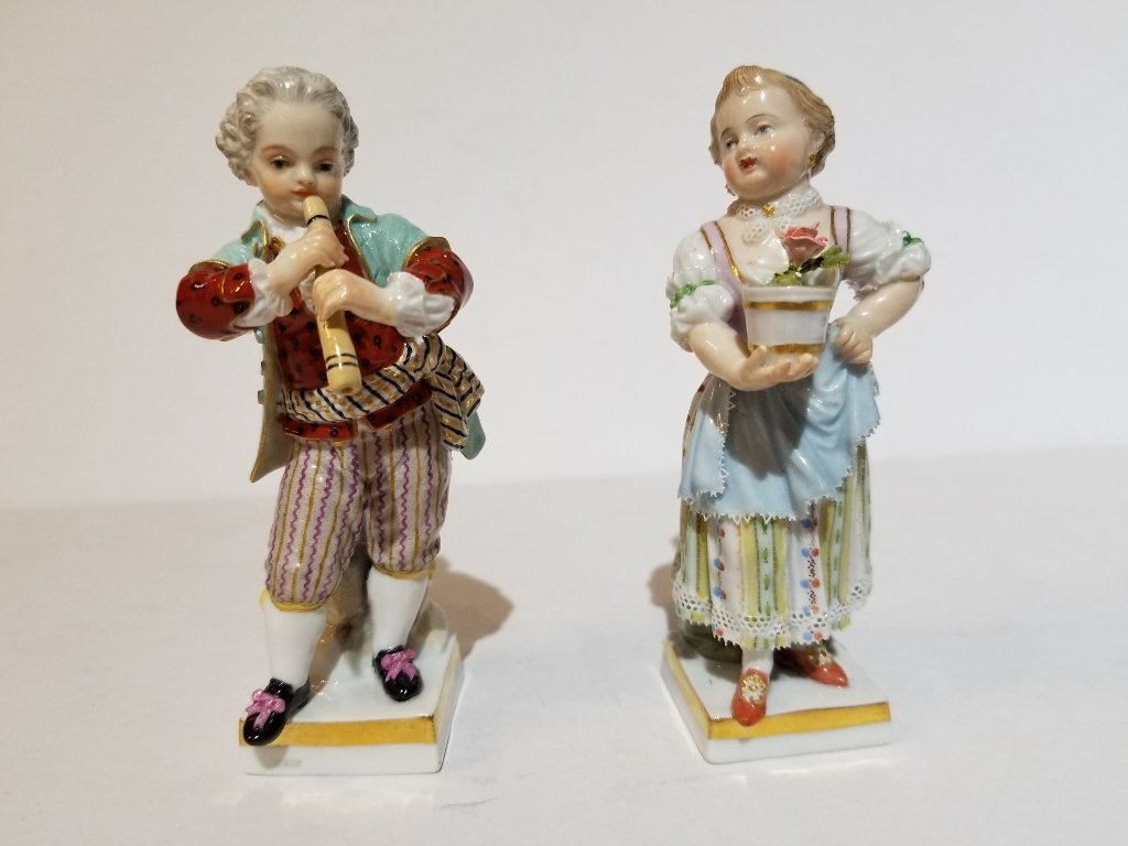 Two Meissen figurines