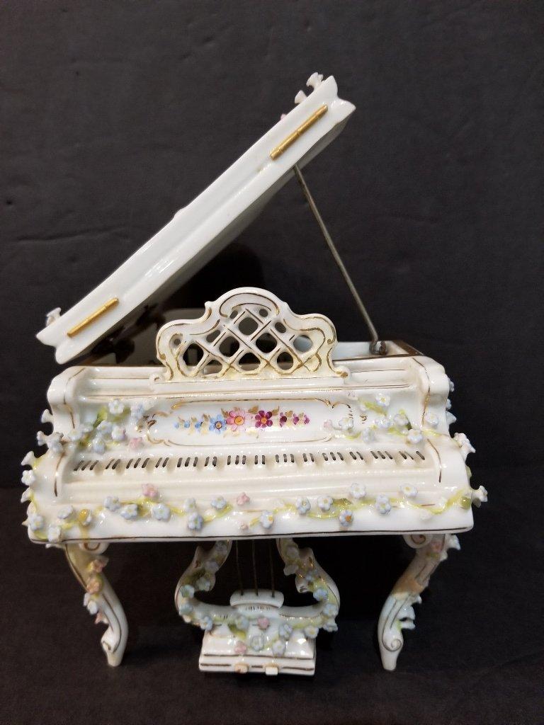 Porcelain piano music box, working, c.1945