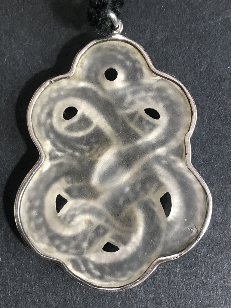 Glass serpent pendant in silver, attributed to Lalique - 4