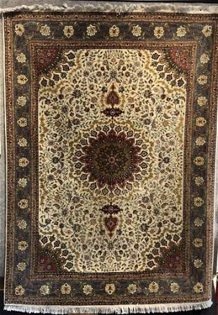 Persian Tabriz carpet, circa 1965, 80 x 58 inches