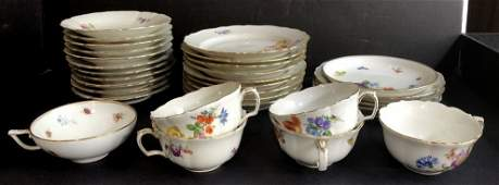 Meissen cups, saucers, dishes in 2 trays