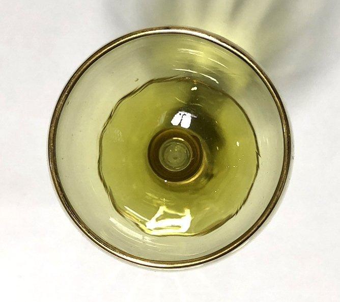 Four green glasses - 3