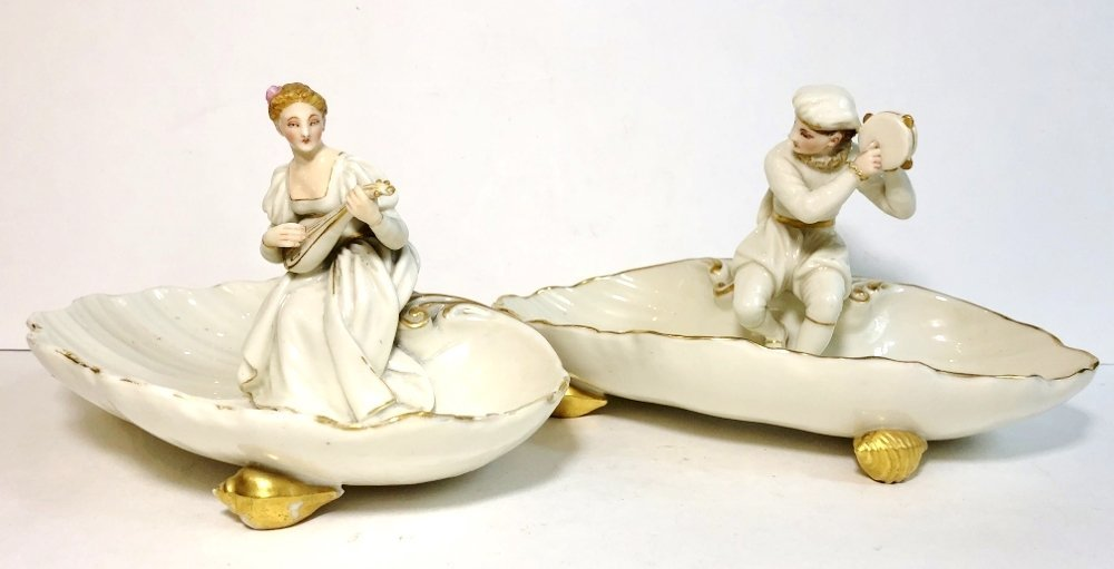 Pair of Royal Worcester shell dishes, c.1900 - 2
