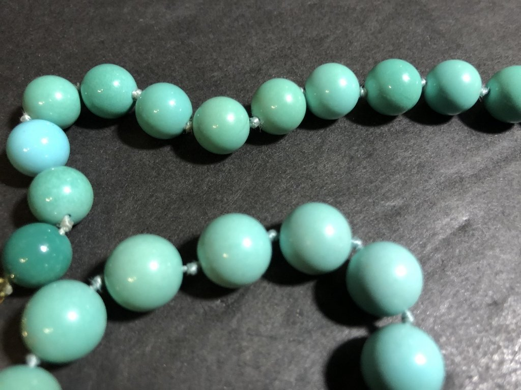 Large turquoise necklace, GIA report, c.1985 - 4