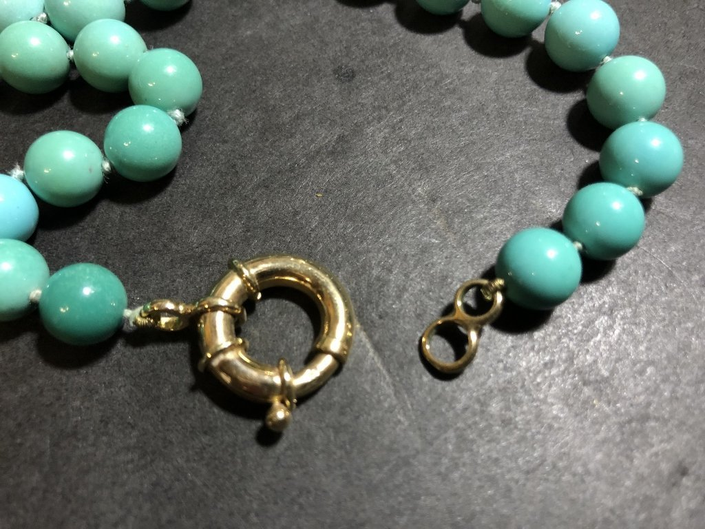 Large turquoise necklace, GIA report, c.1985 - 5