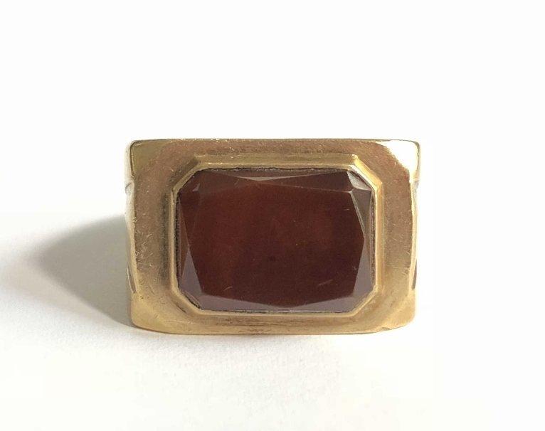 14k gold man's carnelian ring, 15 dwts
