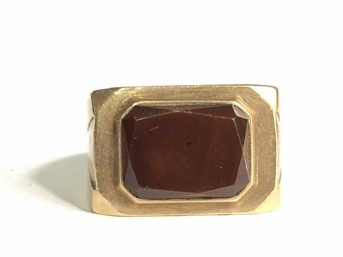 14k gold man's carnelian ring, 15 dwts - 7
