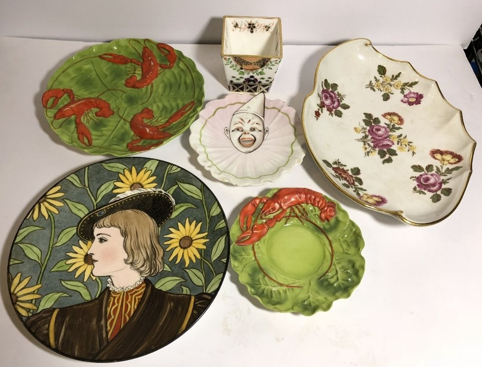 Decorative plates including clown plate