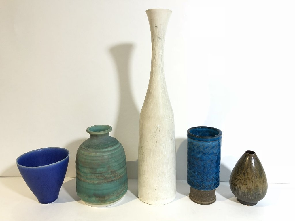 Five modern ceramic items