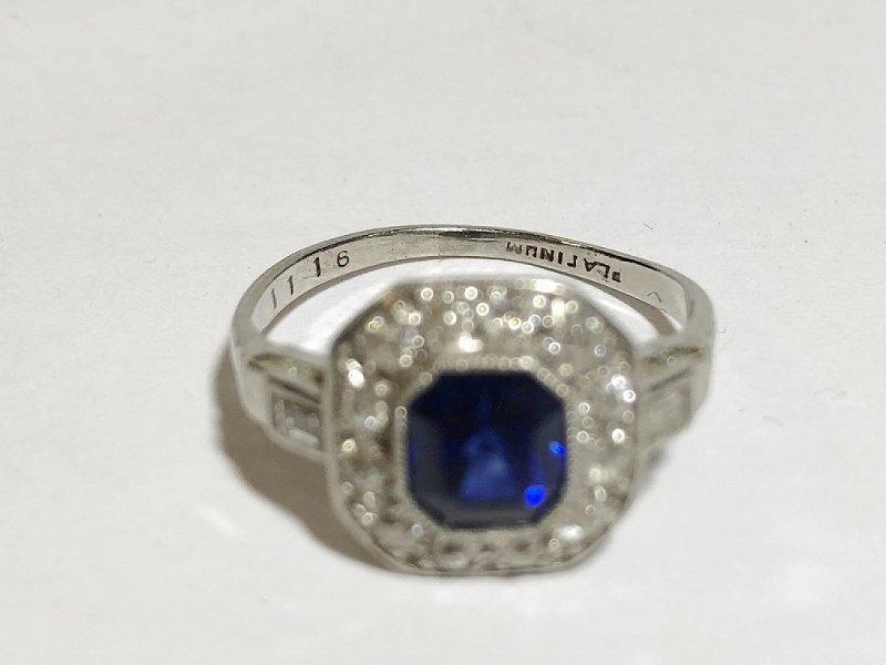 Platinum, diamond & sapphire ring, c.1930, 2.5dwts - 2