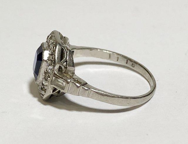 Platinum, diamond & sapphire ring, c.1930, 2.5dwts - 5