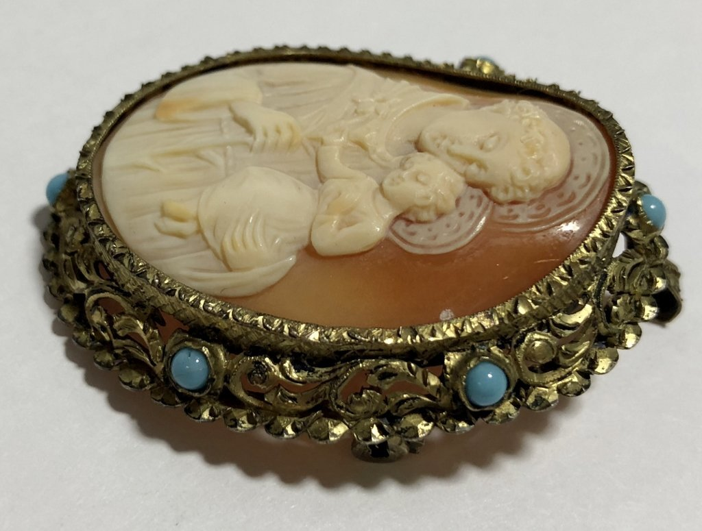 Silver, turquoise & shell cameo, Religious,9.45dwts - 6