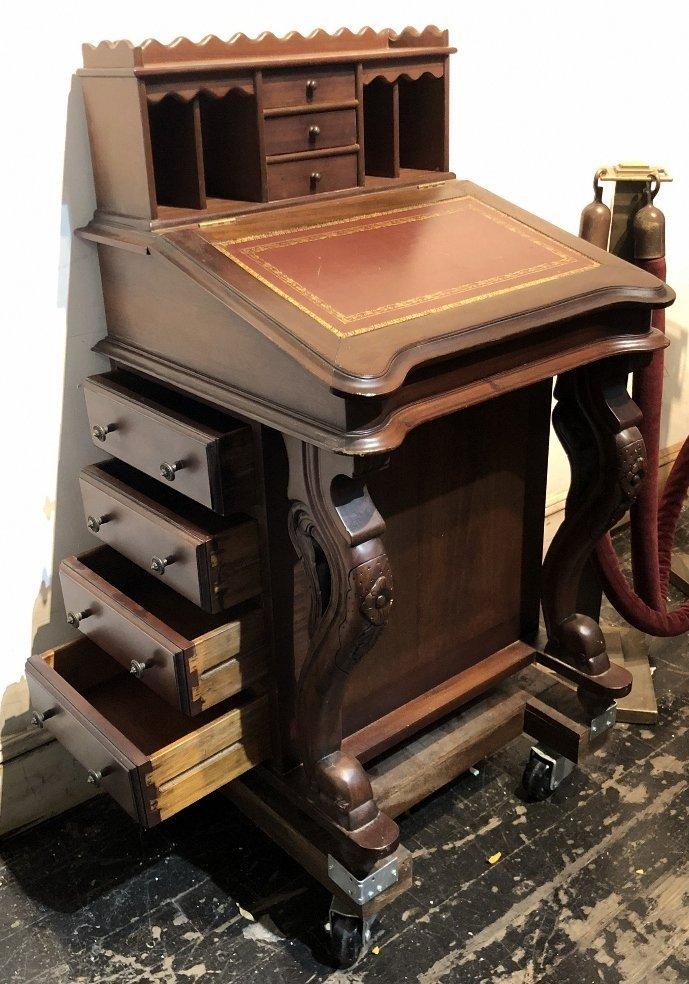 Mahogany Davenport desk, c.1930 - 7
