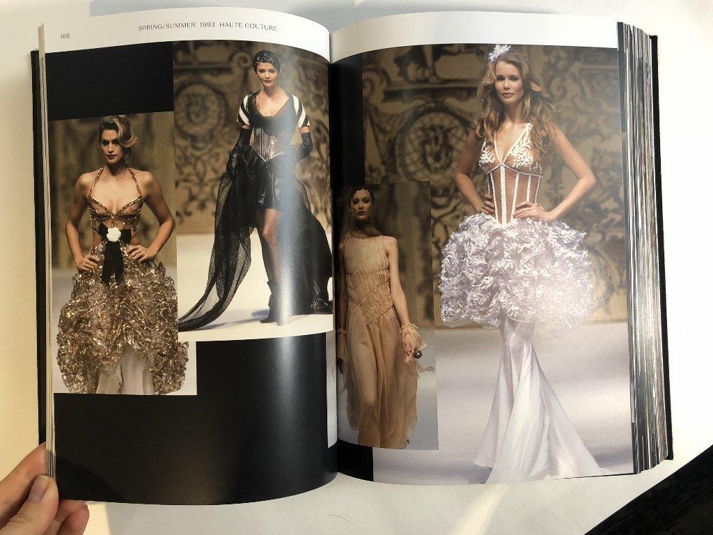 Chanel book: Langerfield - 6
