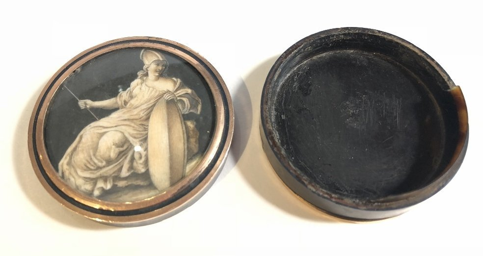 18th/19th century shell and gold box - 2