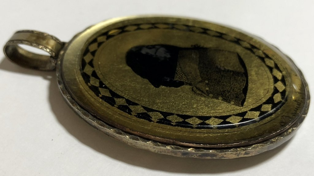 Hair mourning pendant w/French signature, dated 1807 - 3