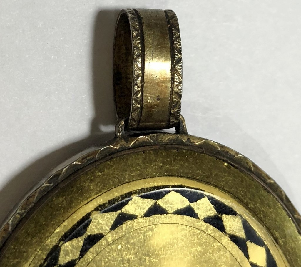 Hair mourning pendant w/French signature, dated 1807 - 4