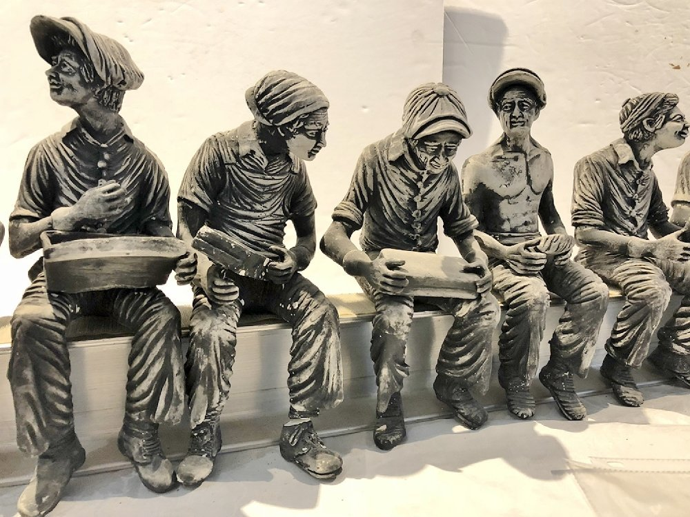 Sculpture of working men lunch on steel beam by Furnari - 6
