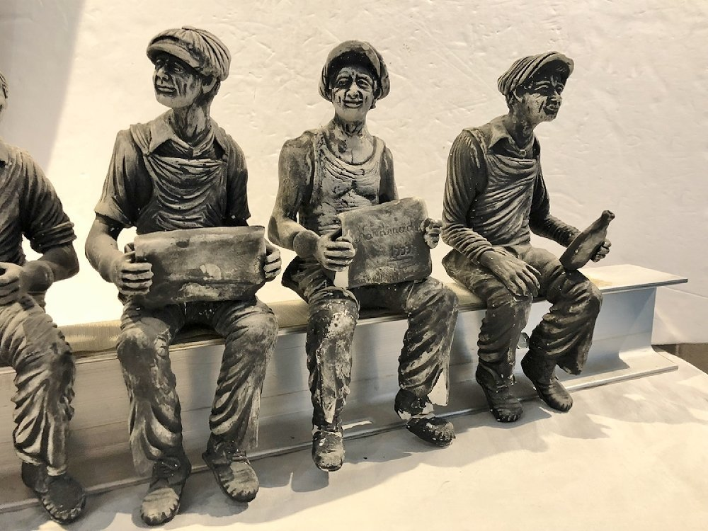 Sculpture of working men lunch on steel beam by Furnari - 7