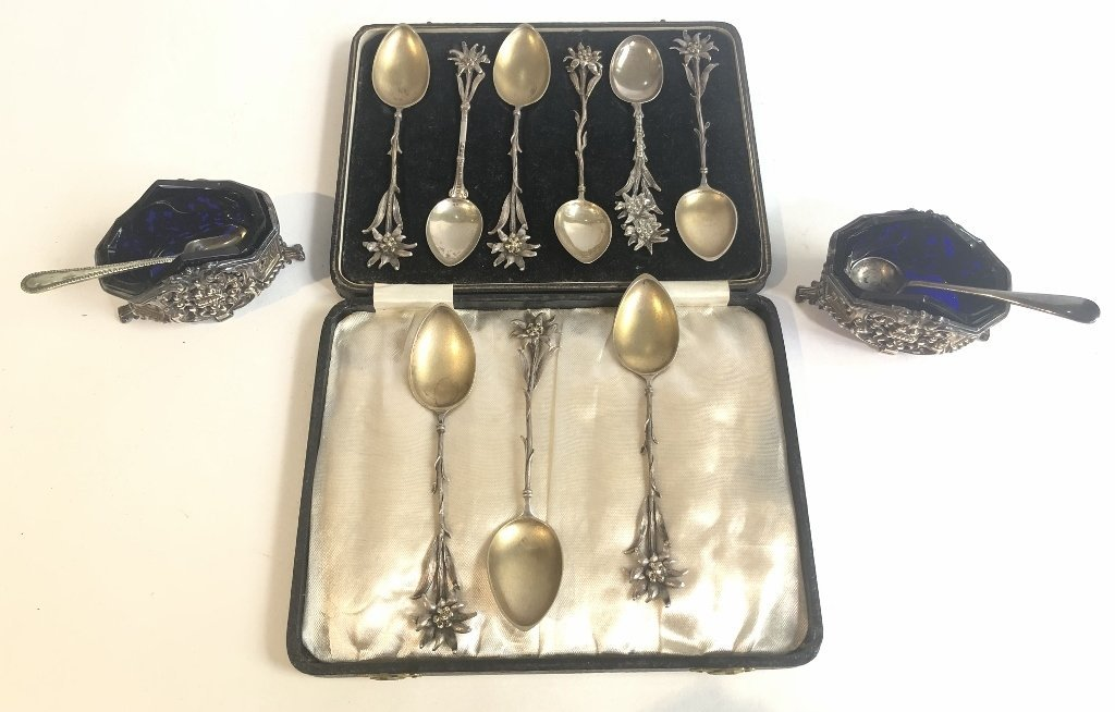 800 silver spoons and salts, 5.2 t.oz