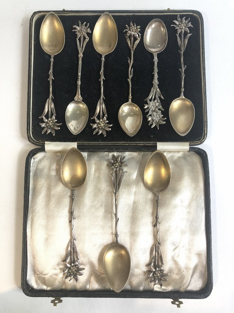 800 silver spoons and salts, 5.2 t.oz - 2
