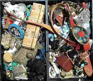 Costume jewelry and objects in 2 trays