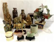 Miscellaneous Chinese items in 2 trays