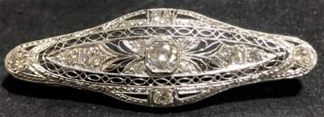 Platinum diamond bar pin, c.1920, 4.6 dwts