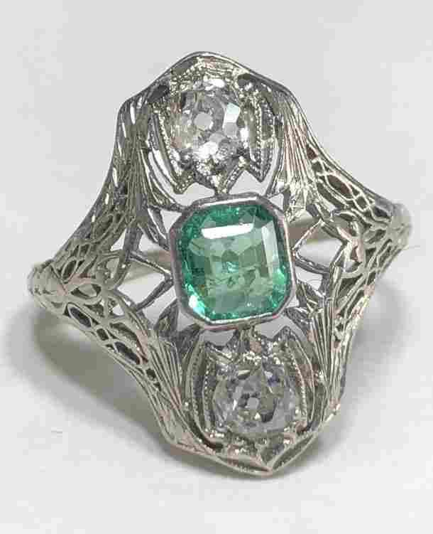 18k gold, diamond & emerald ring, c.1925, 2.2dwts