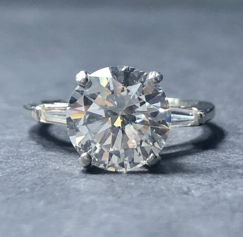 Platinum and diamond ring, 2.55ct GIA, 2.2 dwts