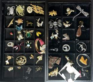 42 costume jewelry animal items in 2 trays