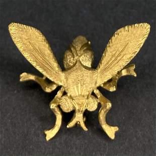 18k fly brooch, 3.55 dwts