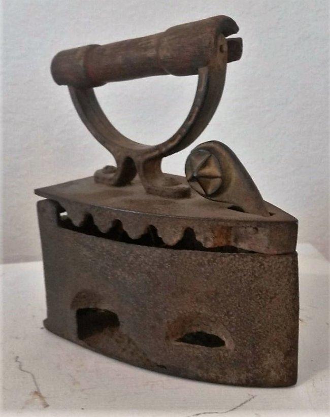 Antique Cast Iron Coal Charcoal Wood Handle Clothes - 2