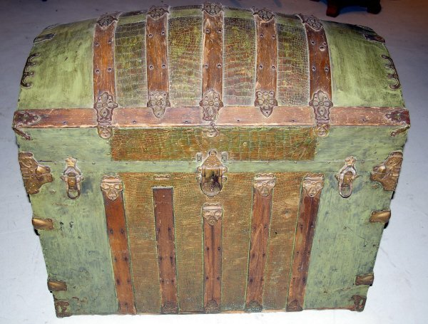 1007: Green Dome Top Steamer Trunk