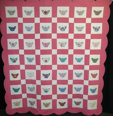 402: Quilt. Pink butterfly.