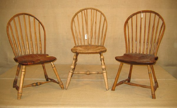 423: Chairs. 3 Windsor Chairs. Fan backed.