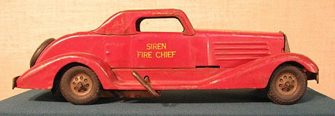 1: Pressed steel. Toy. Siren Fire Chief.  Car.