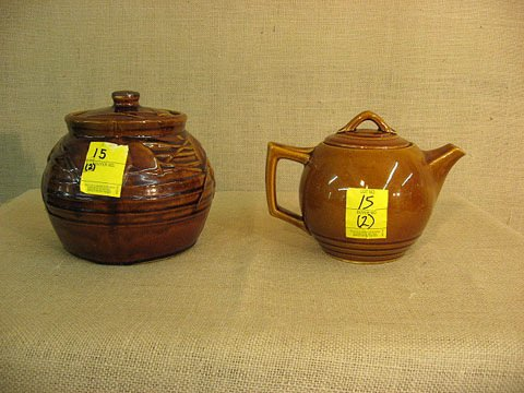 15: McCoy pottery. Co0kie Jar and Tea Pot.