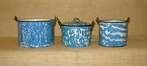 910: Graniteware. collection of 3 graniteware pails