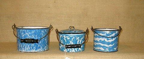 910: Graniteware. collection of 3 graniteware pails - 6