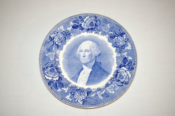 101: Wedgwood China George Washington Plate Set 1932 - 3