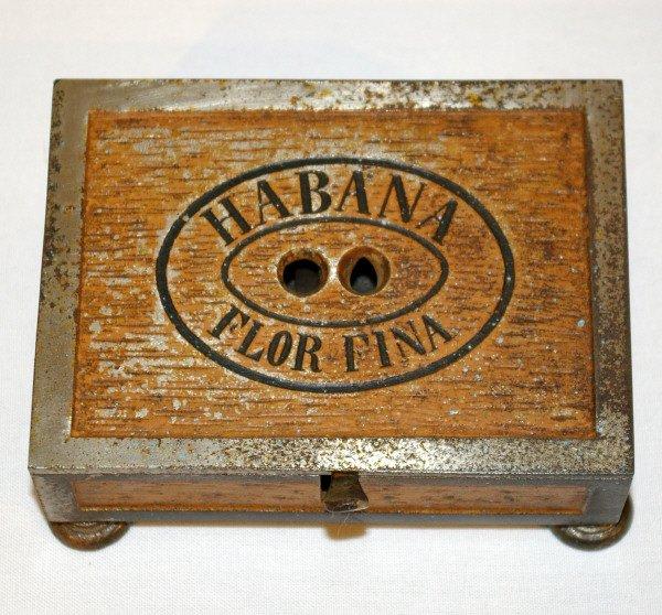 809: Habana Flor-Fina Box Shaped Cigar Cutter