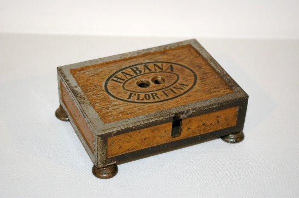 809: Habana Flor-Fina Box Shaped Cigar Cutter - 2