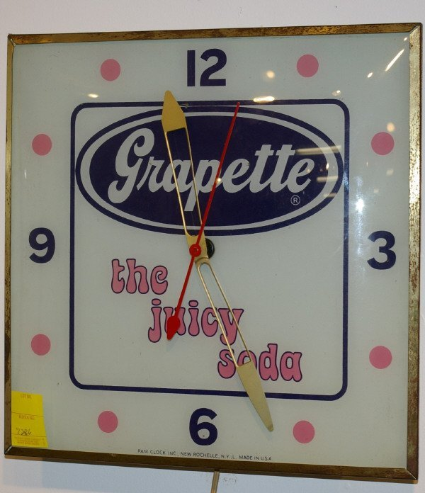 11: Vintage Grapette Soda Advertising PAM Clock