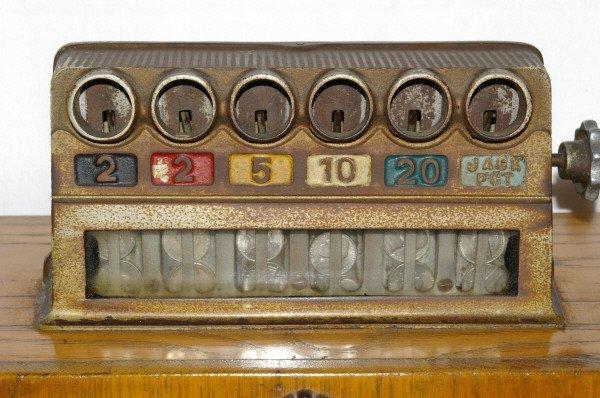 111: Antique Watling Slot Machine Oak Case Ben Hur - 2