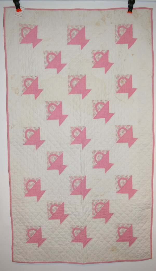 506: Pink And White Baby Basket Quilt
