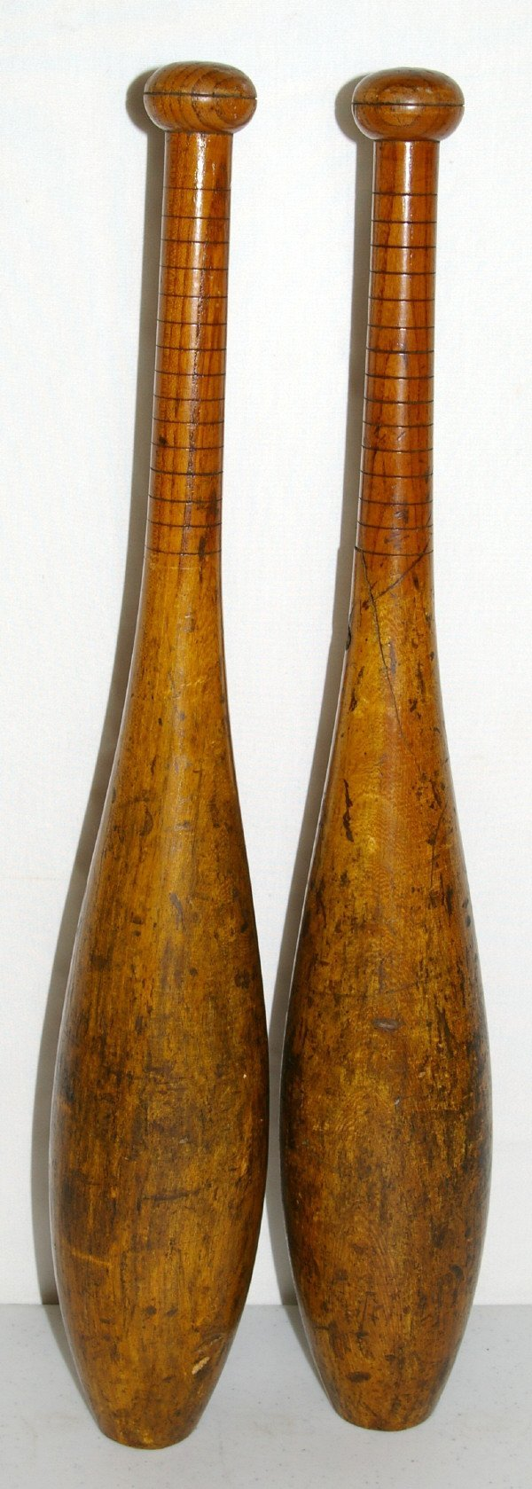 511: Pair Of Four Pound Indian Clubs