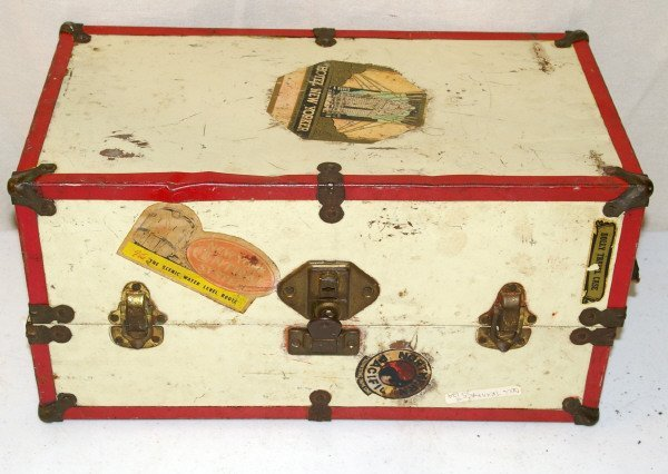 513: Red & White Doll Trunk Circa 1940