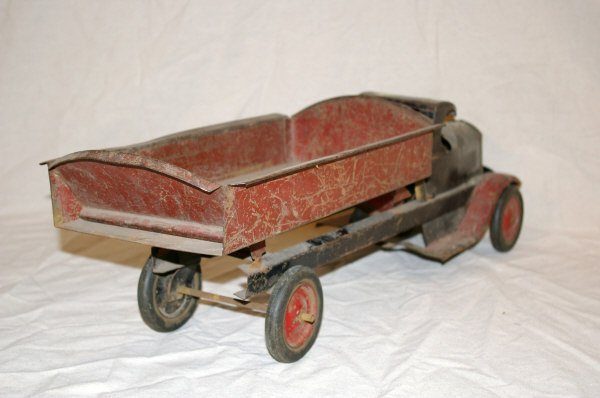 75: Turner Toys Pressed Steel Toy Dump Truck - 5