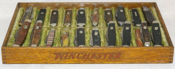 1042: Lot Of 21 Winchester Pocket Knives